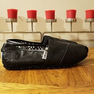 Toms. Black glitter. Size 7